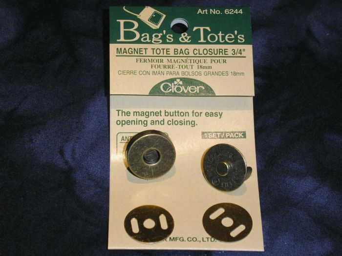 Clover - magnetic latch - antique gold 18mm